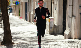 Aw12_running_men_akashi_c_normal